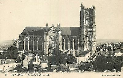 89 Auxerre Cathedrale - Ll