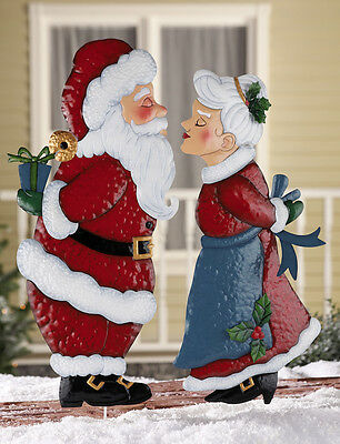 Mr & Mrs Santa Claus Kissing Couple Statue Stake Christmas Holiday Outdoor Decor