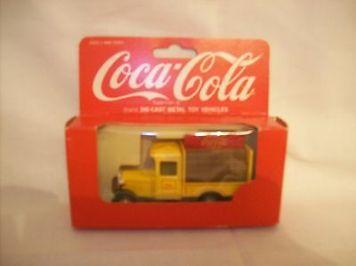 Coca-Cola 1:64 Diecast Bottle Delivery Truck
