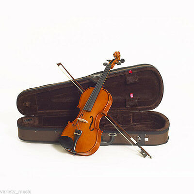 STENTOR - Standard. 4/4 size violin outfit. Solid hand carved top and back.