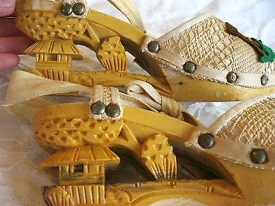 FABULOUS VINTAGE 1940'S HAND CARVED LINEN RATTAN WOOD TROPICAL TIKI VLV SHOES