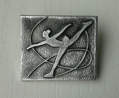 Russian Russia ice FIGURE SKATING pin