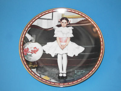(#58) Collectors plate sitting pretty rockwell knowles