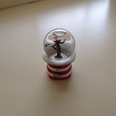 cat in the hat 3 inch snow globe