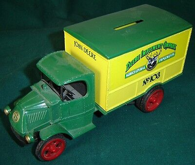 ERTL 1926 MACK Bulldog TRUCK BANK John Deere Implement Company #103