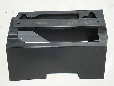 OEM FACTORY GENUINE FORD FREESTAR BATTERY COVER/HEAT SHIELD 2004/04 Part 10A682