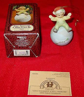 """MEMORIES OF YESTERDAY Enesco """"Give Yourself A Hug From Me"""" 1994 Ornament 529109"""