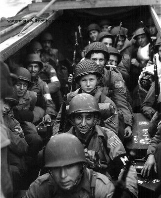 """American Troops on approach to Omaha Beach, D-Day 8""""x 10"""" World War II Photo 135"""
