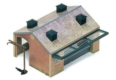 Hornby R8002 Goods Shed Kit  OO Gauge New in Box