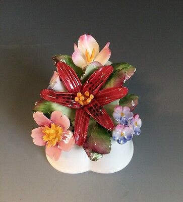 Royal Doulton Porcelain Flowers Bouquet Multicolor/White UK Very Good Condition