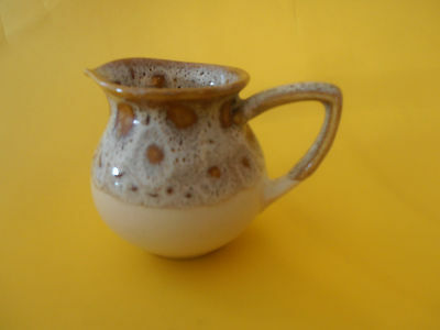 FOSTERS POTTERY 1/4 PINT JUG