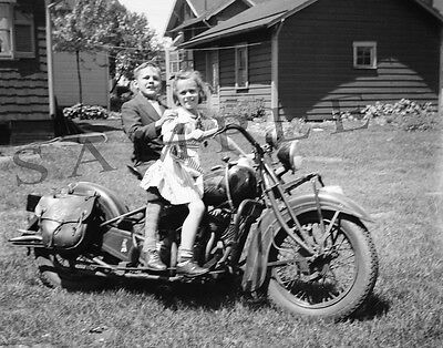"""WWII Era 1939 Indian Chief Motorcycle with kids 8""""x 10"""" Photo 41"""