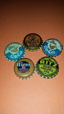 5 RARE diff CORK BOTTLE CAPS Donald Duck ×2  Felix The Cat, RITZ, Hires,