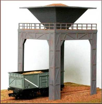 Knightwing PM102 Operating Coal or Gravel Loader 00 Gauge Plastic Kit - T48 Post