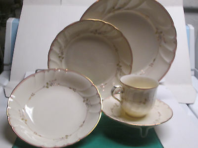 Mikasa Monticello fine ivory china 1-5pc. place setting new perfect condition