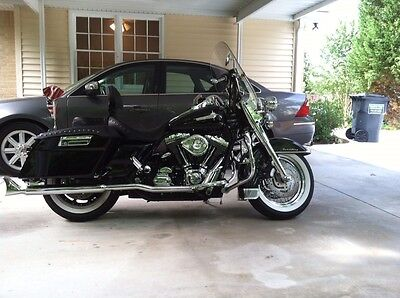 Harley-Davidson : Touring Harley Davidson Road King 2001 new paint, extras, big cam, runs and sounds great