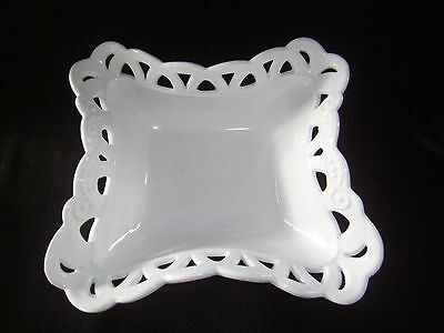 VINTAGE WESTMORELAND WHITE MILK GLASS LACE EDGE COMPOTE OR BOWL
