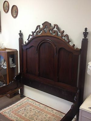 Gorgeous ANTIQUE WALNUT VICTORIAN BED CARVED 1800's
