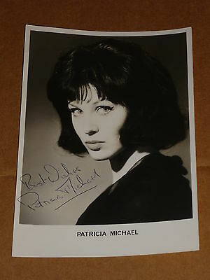 Patricia Michael 1965 7 x 5 Photograph (Hand Signed)
