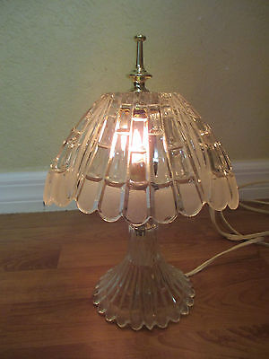 Vintage ART DECO GORGEOUS CUT FROSTED CRYSTAL  BRASS TABLE BOUDOIR Lamp WORKS!