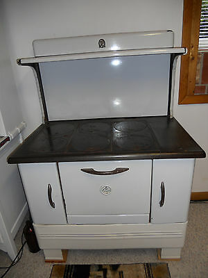 Modern Maid Antique Vintage  Wood or Coal Fired Kitchen Cook Stove