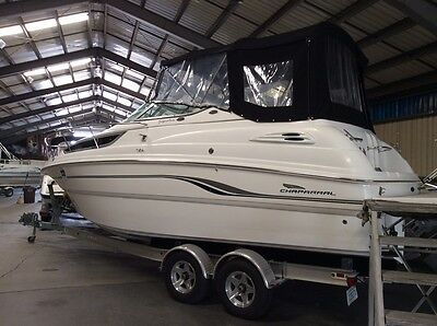 Chaparral 260 Signature Express Cruiser