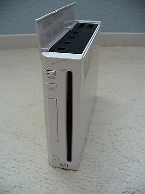 Nintendo Wii White Console (NTSC) With Classic Games!!