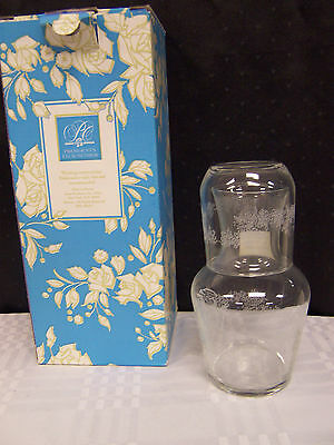 1998 AVON PRESIDENT'S CLUB BIRTHDAY GIFT WATER DECANTER WITH GLASS