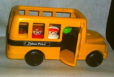 Vtg Fisher Price Chunky Little People School bus & 4 Chunky Little People