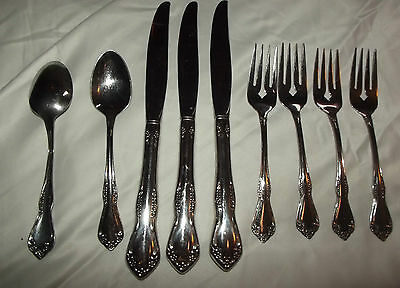 WM.A. ROGERS DELUXE STAINLESS FLATWARE ONEIDA LTD FLORAL