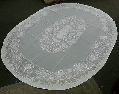 Vintage Table cloth oval/ Floral Design/ Great 4 Parties- Wedding- wrinkle Free