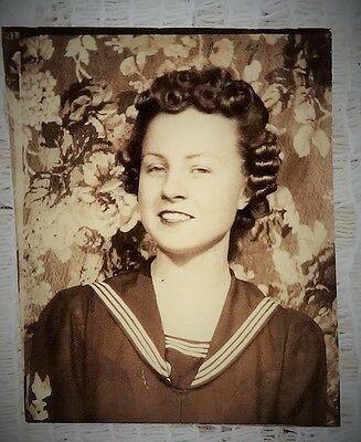 "VINTAGE 1940'S PHOTOBOOTH PHOTO - LADY IN NAVY CLOTHES - SIZE 2"" X 1.5"" TOTAL"