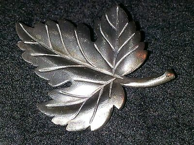VINTAGE TIFFANY & Co STERLING SILVER MAPLE LEAF BROOCH PIN