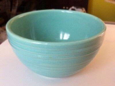 VINTAGE MCCOY SERVING/MIXING BOWL IN LOVELY SHADE OF TURQUOISE. MADE IN USA.
