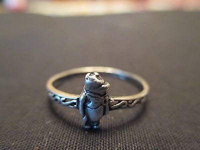 WINNIE THE POOH STERLING SILVER RING SIZE 7 DAINTY