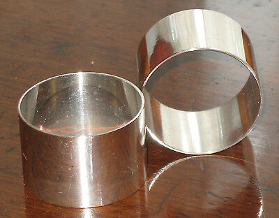 Vintage: A pair of plain silver plated Napkin Rings