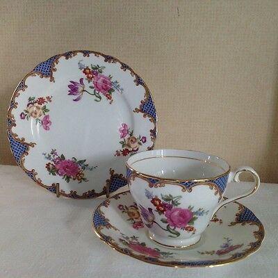 AYNSLEY VINTAGE BONE CHINA FLORAL WILTON BLUE teacup, saucer and plate
