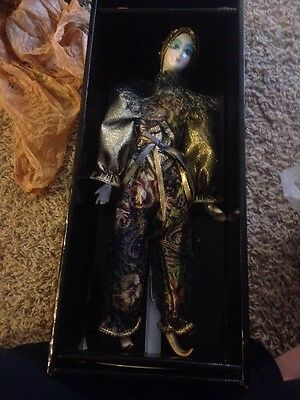 THE MUSICAL LADY - Porcelin Doll Moves With Music With Stand NEW Send in Clowns