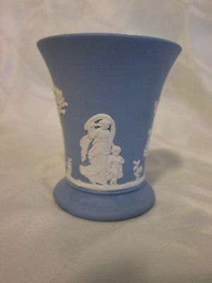 "1952 Wedgwood Blue & White Jasperware 4"" Footed Trumpet Vase Made in England"