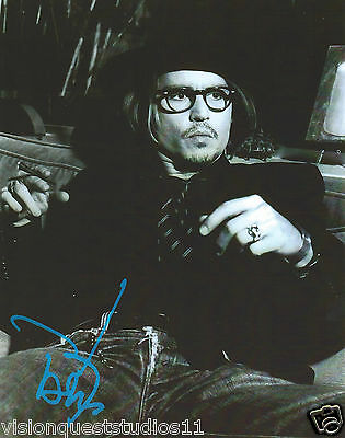 Johnny Depp Signed 8 x 10 photo  RP  POTC