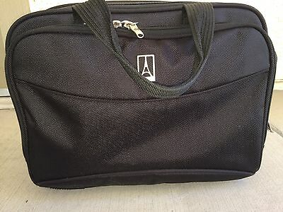 Travelpro Flight Crew 8 or 9 Travel Tote Excellent Condition