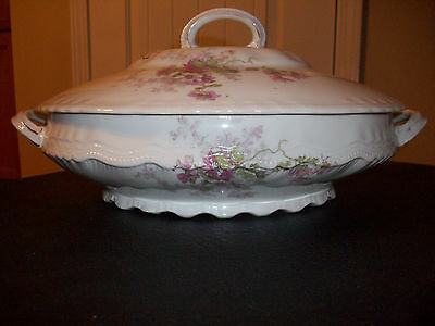 VICTORIA AUSTRIA OVAL COVERED VEGETABLE BOWL CASSEROLE DISH PINK PURPLE FLOWERS
