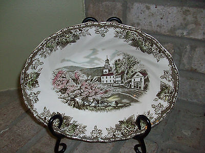 """Johnson Bros. The Friendly Village """"The Village Green"""" Oval Serving Bowl - Mint!"""