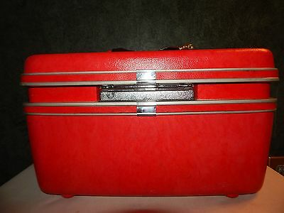 Vintage 1960's Samsonite Silhouette Red Train Makeup Case Hard Shell With Key