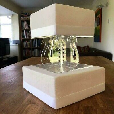 Swan Design Square Single Tier Cake Stand - Clear