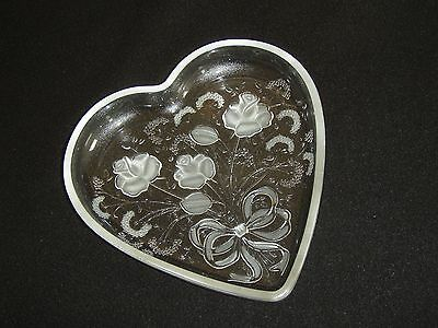 "Mikasa Crystal Rose Bouquet Heart Plate 6 3/4"" (SA554/651)"