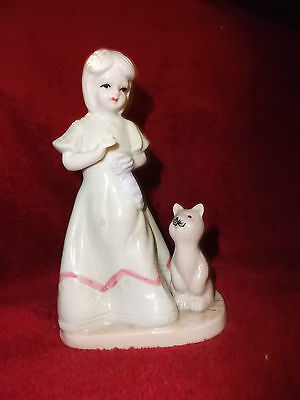 Vintage K'S COLLECTIONS GIRL WITH KITTEN FIGURINE HOME DECOR.