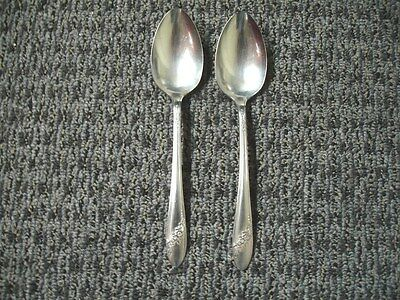 """Oneida """"Queen Bess"""" Silverplate 2 Serving Spoons Tudor Community 4 Avail. 1946"""