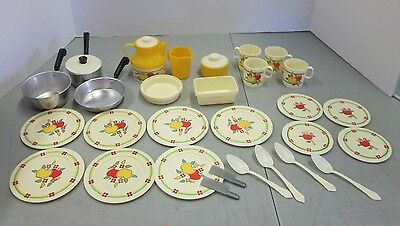Chilton Globe Plastic Plates Aluminum Pots Childs Doll Toy Made in USA Lot of 25