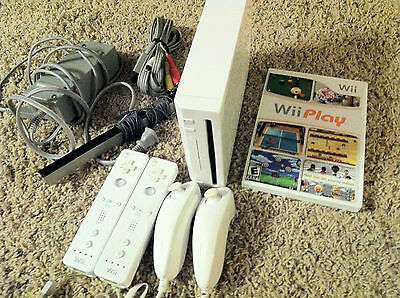 Nintendo Wii Console System Wii 2 Player & Gamecube Ready + Wii Play Game